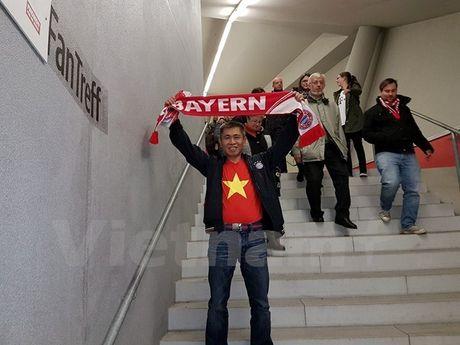 CDV Viet Nam rang ro tai Allianz Arena ngay Bayern huy diet PSV - Anh 3