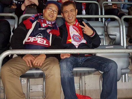 CDV Viet Nam rang ro tai Allianz Arena ngay Bayern huy diet PSV - Anh 4
