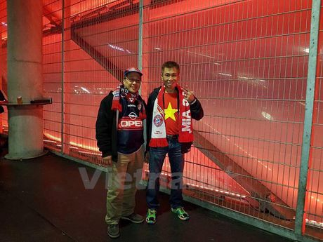 CDV Viet Nam rang ro tai Allianz Arena ngay Bayern huy diet PSV - Anh 5