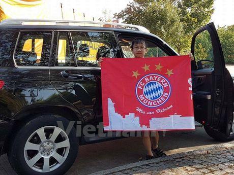 CDV Viet Nam rang ro tai Allianz Arena ngay Bayern huy diet PSV - Anh 7