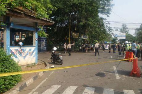 Indonesia tieu diet phan tu IS dung dao tan cong nhieu canh sat - Anh 1