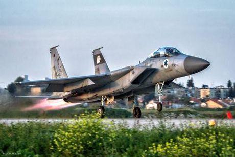 Israel so S-300 ban rung may bay o Syria - Anh 1