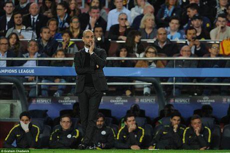 Barcelona 4-0 Man City: Messi va Bravo khien Pep chet lang o Camp Nou - Anh 2