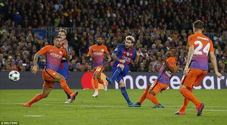 Barcelona 4-0 Man City: Messi va Bravo khien Pep chet lang o Camp Nou - Anh 5