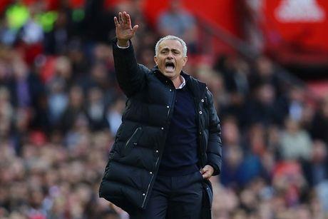 Ru bo 'chat MU', gio la the gioi cua Mourinho - Anh 1