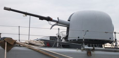 Viet Nam nen thay phao ham AK-176 Nga bang OTO Melara? - Anh 4