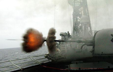 Viet Nam nen thay phao ham AK-176 Nga bang OTO Melara? - Anh 8