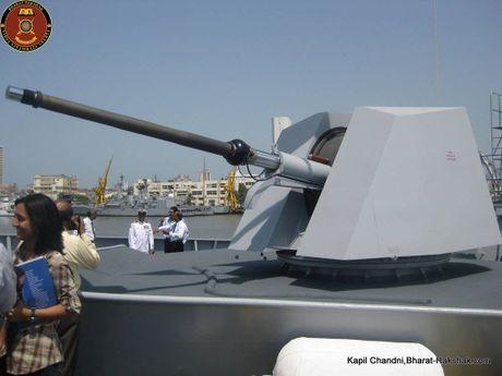 Viet Nam nen thay phao ham AK-176 Nga bang OTO Melara? - Anh 9