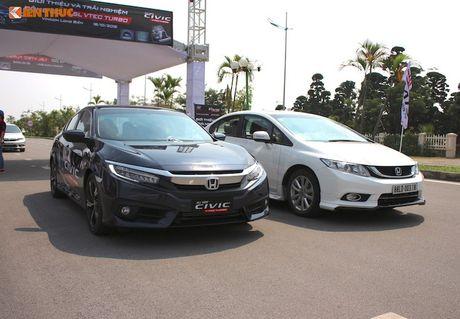 Honda Civic 'thay da, doi thit' sau 10 nam co mat o VN - Anh 20