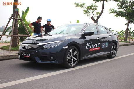 Honda Civic 'thay da, doi thit' sau 10 nam co mat o VN - Anh 4