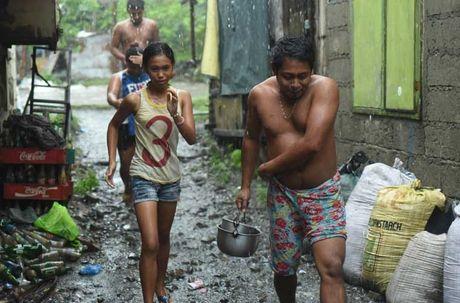 Kinh hoang sieu bao Haima tan pha Philippines - Anh 2
