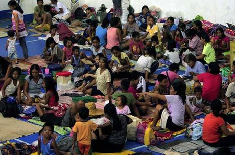 Kinh hoang sieu bao Haima tan pha Philippines - Anh 3