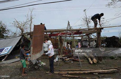 Kinh hoang sieu bao Haima tan pha Philippines - Anh 5