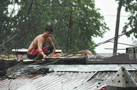 Kinh hoang sieu bao Haima tan pha Philippines - Anh 7