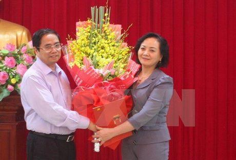 Trao quyet dinh cua Bo Chinh tri chuan y Bi thu Yen Bai - Anh 1