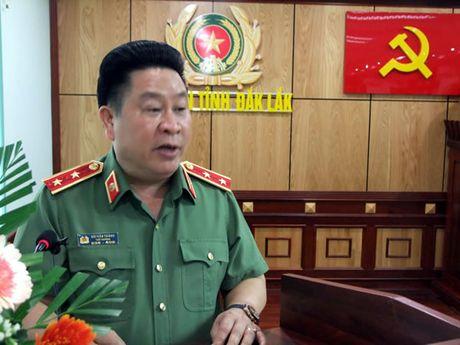 Thu truong Bui Van Thanh lam viec voi cong an Dac Lac - Anh 1