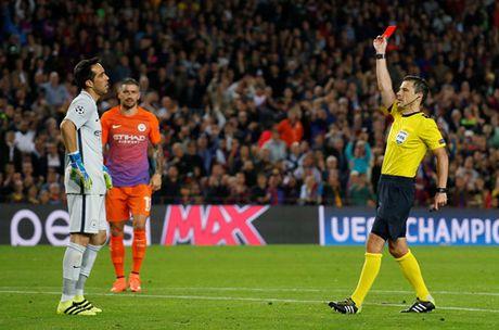 Messi khien Guardiola cui mat roi san Nou Camp - Anh 3
