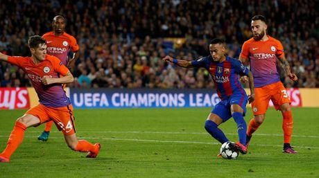 Barcelona - Man City: Su khac biet ve dang cap - Anh 3