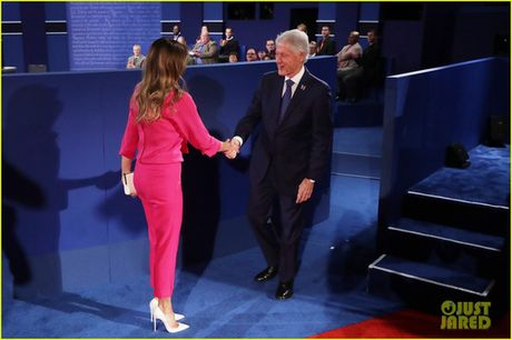 Dem tranh luan cuoi, nha Clinton canh giac ti phu Trump - Anh 1