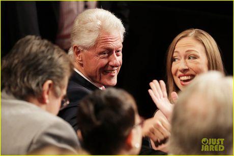 Dem tranh luan cuoi, nha Clinton canh giac ti phu Trump - Anh 4