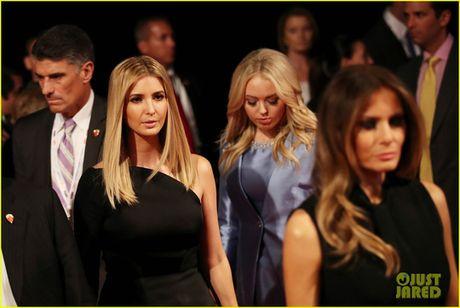 Dem tranh luan cuoi, nha Clinton canh giac ti phu Trump - Anh 5