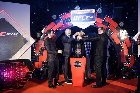 Lan dau tien co trung tam UFC Gym® tai Viet Nam - Anh 1
