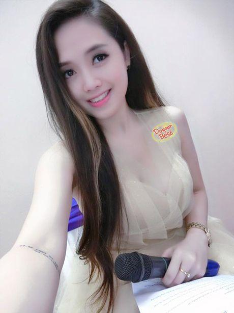Ngay 20/10 cua MC Ngoc Trang va nguoi yeu dong tinh dien ra the nao? - Anh 1