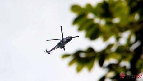 Hinh anh toan canh buoi tim kiem truc thang EC-130 va dua cac phi cong xuong nui - Anh 5