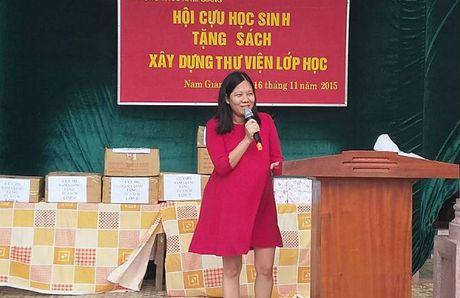 Ba me 3 con ban thuc pham sach de co sach cho tre nong thon - Anh 1