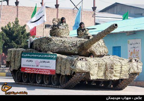 Iran khoe he cong he thong bao ve xe tang tu phat trien - Anh 1