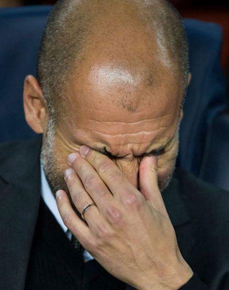 Bi Barca quan ta toi, Pep thua nhan Man City duoi co - Anh 1