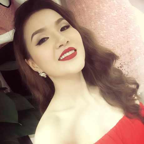 Nu doanh nhan A hau Nguyen Ngoc Cham: Kiem tien tu lop 8, ty phu tuoi 27 - Anh 1