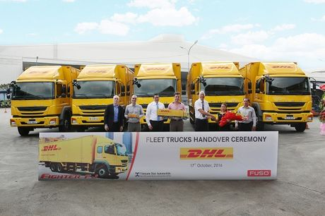 DHL Supply Chain 'tau' 18 xe Fuso Fighter FJ - Anh 1