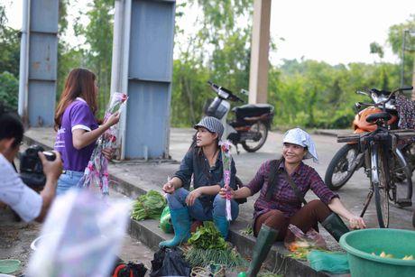 Thi sinh Hoa hau Viet Nam va hanh trinh 888 doa hong - Anh 8