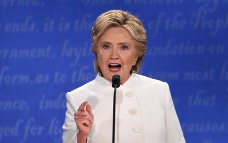 Hillary Clinton tu tin, cuoi 'chien thang' sau cuoc tranh luan thu 3 - Anh 8