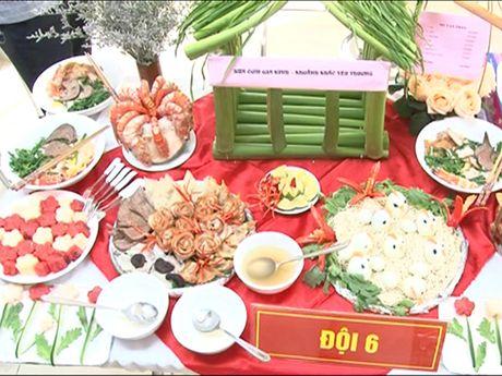 Phu nu Cong an quan Hai Ba Trung: Gioi viec nuoc, dam viec nha - Anh 5