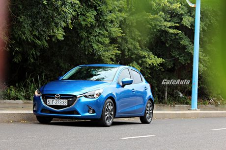 Trieu hoi 4.809 chiec Mazda2 de khac phuc den bao loi dong co - Anh 1