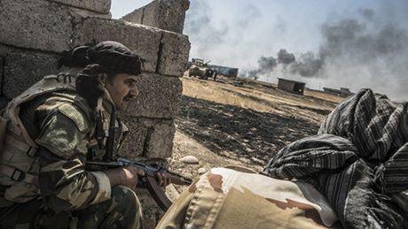 Thu linh IS dung dan thuong lam 'la chan song' de chay khoi Mosul - Anh 1