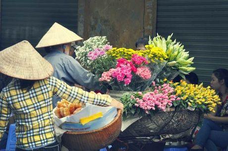 Chum anh dep nuc long nhung ganh hang hoa chi Ha Noi moi co - Anh 8