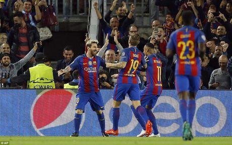 Barcelona 4-0 Man City: Cu hattrick cua Messi - Anh 3