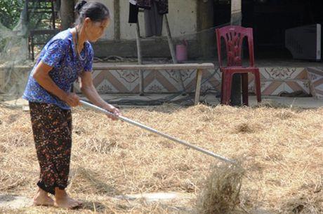 Nhung nguoi dan ba 'chay lu' trong ngay Phu nu Viet Nam - Anh 3