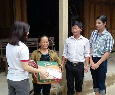 Nhung nguoi dan ba 'chay lu' trong ngay Phu nu Viet Nam - Anh 5