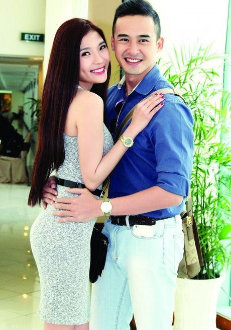 The Thanh lan dau 'bat mi' ki niem 'ngon tinh' voi Thuy Diem - Anh 1