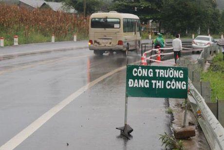 Nhanh chong khac phuc diem sut truot tren duong Ho Chi Minh - Anh 2