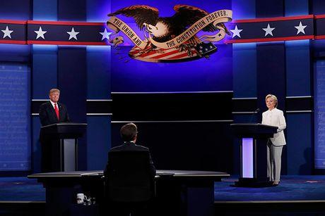 Trump - Clinton lai khong bat tay khi buoc tranh luan lan ba - Anh 2