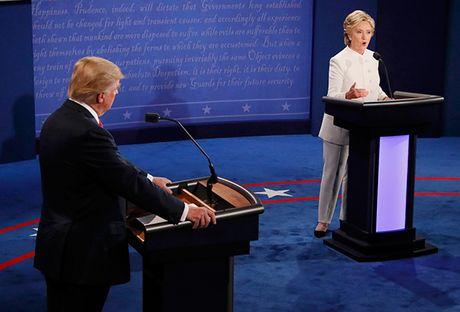 Dau khau quyet liet, Trump - Clinton khong bat tay khi ket thuc tranh luan - Anh 13