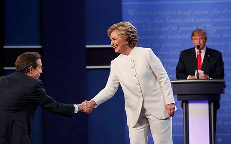 Dau khau quyet liet, Trump - Clinton khong bat tay khi ket thuc tranh luan - Anh 1