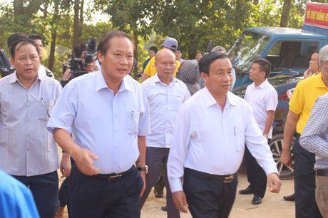 Bo Thong tin-Truyen thong trao qua cuu tro tai Ha Tinh - Anh 8