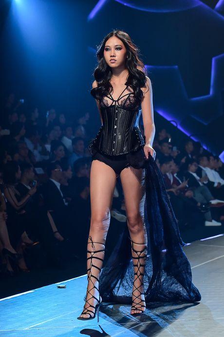 Chung Thanh Phong voi bo suu tap moi vut bo ao nguc - Anh 8