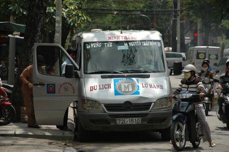 TP.HCM tang cuong kiem tra xe khach dip cuoi nam - Anh 1